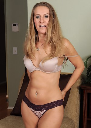 MILF Panties Porn Pics