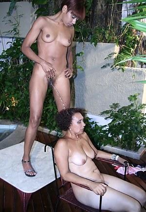 Black Lesbian MILF Porn Pics