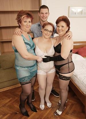 MILF Foursome Porn Pics