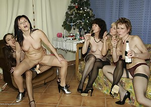 MILF Party Porn Pics