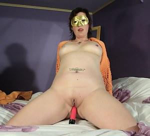 MILF Blindfold Porn Pics