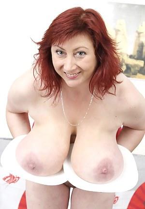 Kinky MILF Porn Pics
