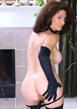 MILF Gloves Porn Pics