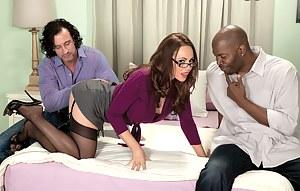 MILF Threesome Porn Pics