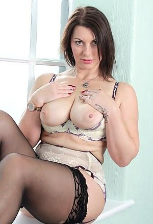 MILF Stockings Porn Pics